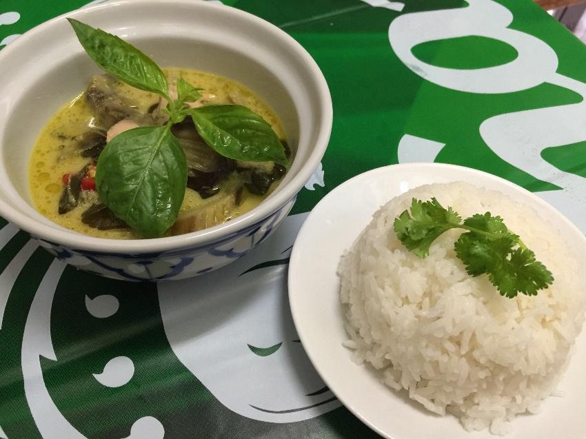 王道タイ料理コース(おまかせ) ※表示料金はお一人様あたりの料金になります。*ご予約は2名様からしばらくの間6名様1組までの受付となります。